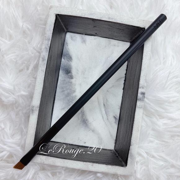 Nars 47 eyeliner brow gel powder brush